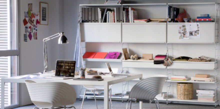 Tria-shelves-office